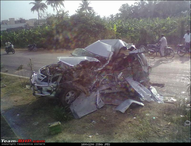 Pics: Accidents in India-07072012090.jpg