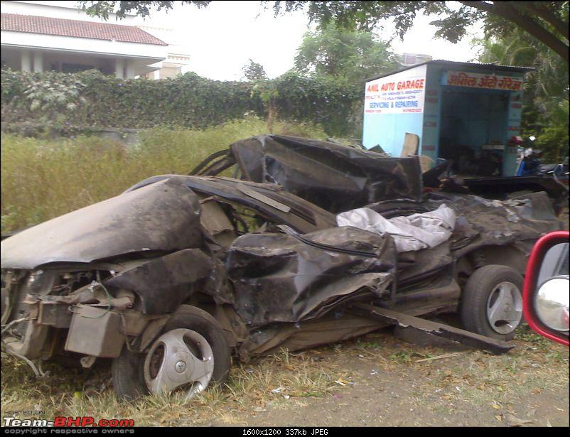 Pics: Accidents in India-17112008386.jpg