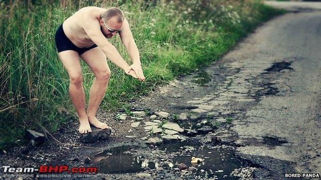 Name:  _77636663_potholesdivingman.jpg Views: 2158 Size:  83.2 KB