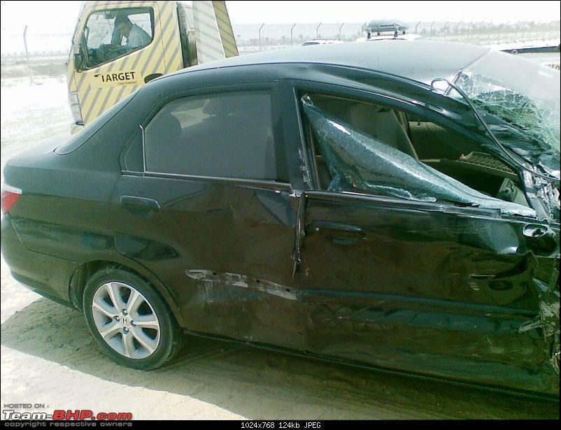Road Accidents in Dubai - Pics-08062008006.jpg