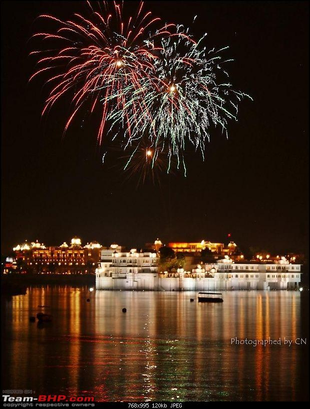 The Official non-auto Image thread-brilliant-fireworks-over-lake-palace-3.jpg