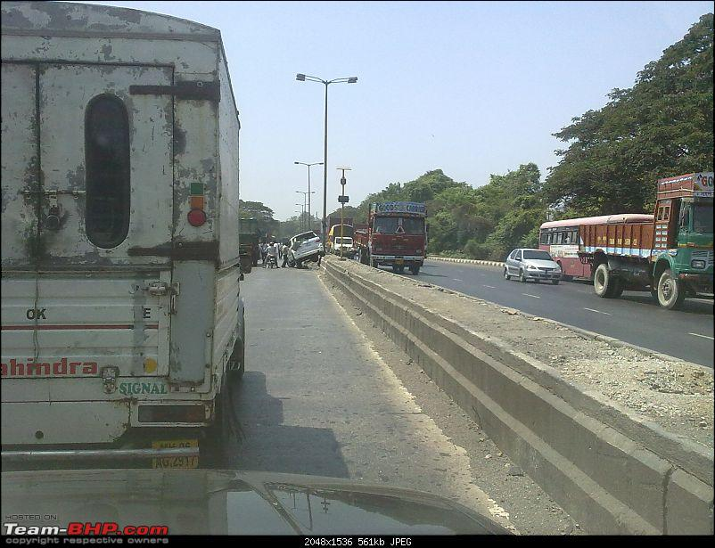 Pics: Accidents in India-28052011136.jpg