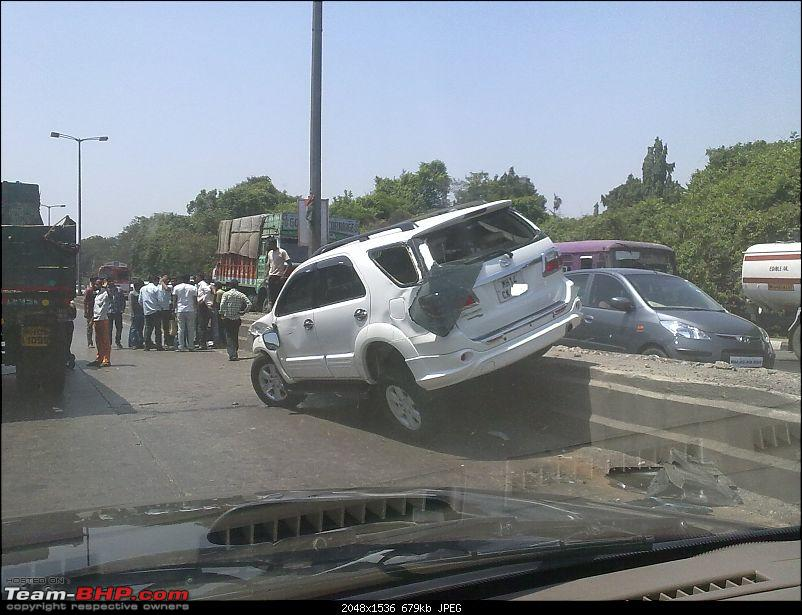 Pics: Accidents in India-28052011138.jpg