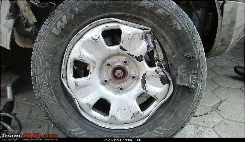 Renault Duster Accident & Rollover-driver-side-right-tyre.jpg