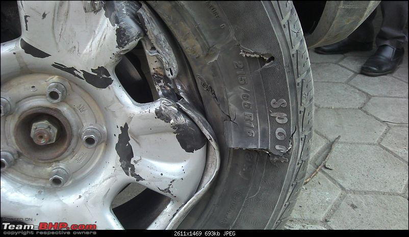 Renault Duster Accident & Rollover-driver-side-right-tyre_3.jpg