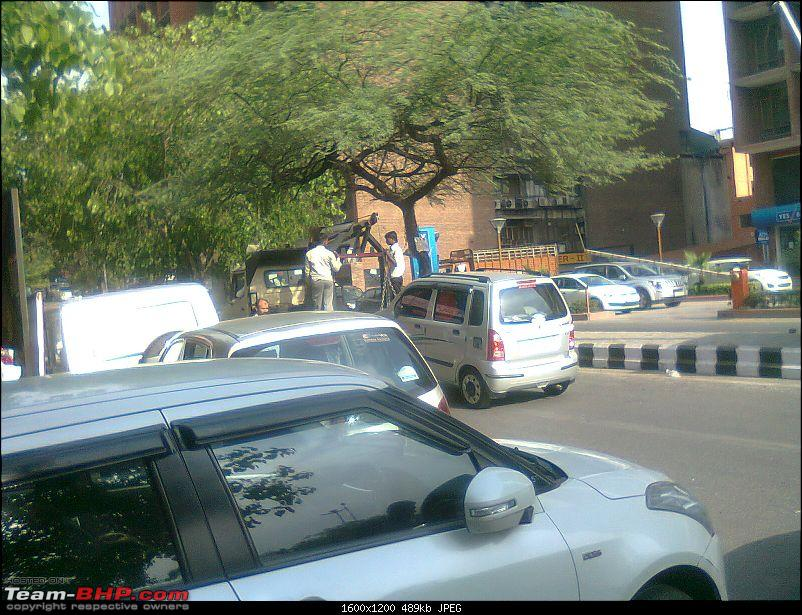 Street Parking: Obstructing traffic & reducing our driving space-photo0896.jpg