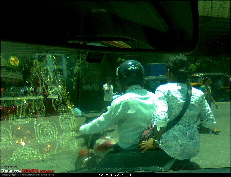 Don't they love their partners? Pillion rider's safety?-photo1156_001.jpg