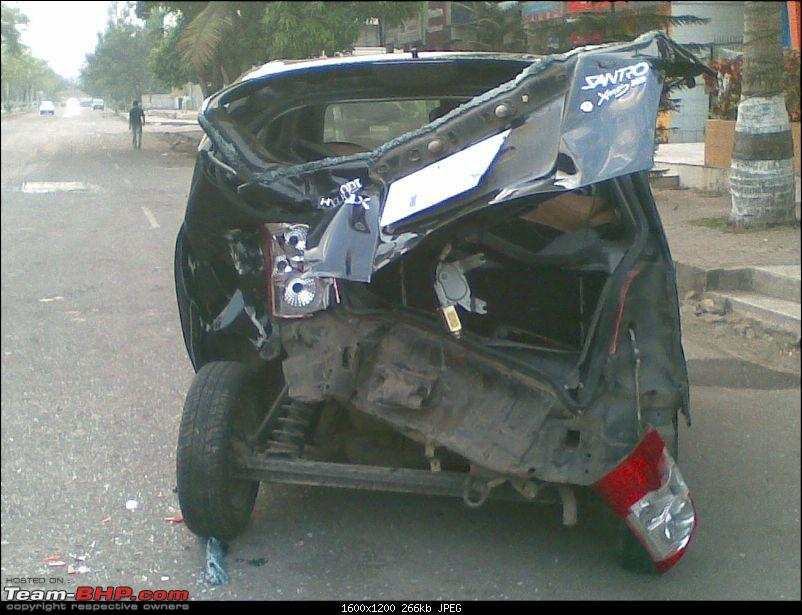 Pics: Accidents in India-13042009.jpg