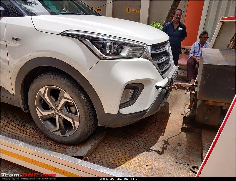 Your car isn't safe anywhere! VW Polo rams into my parked Hyundai Creta-towing-2.jpg