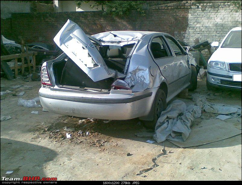 Pics: Accidents in India-11102009.jpg