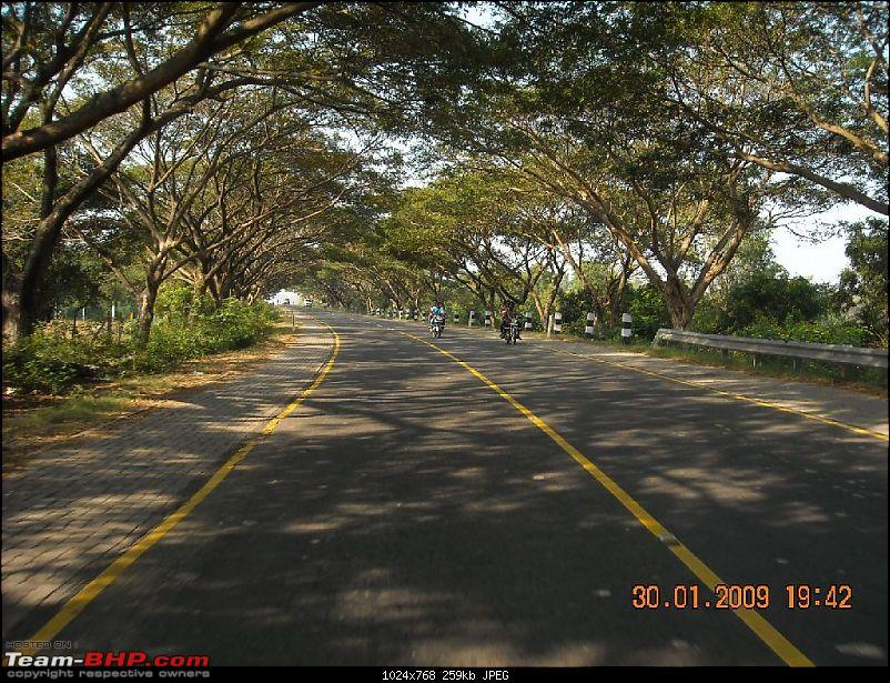 "Is there something called ""Two Wheeler Lane""  on the ECR ?-ecr.jpg"