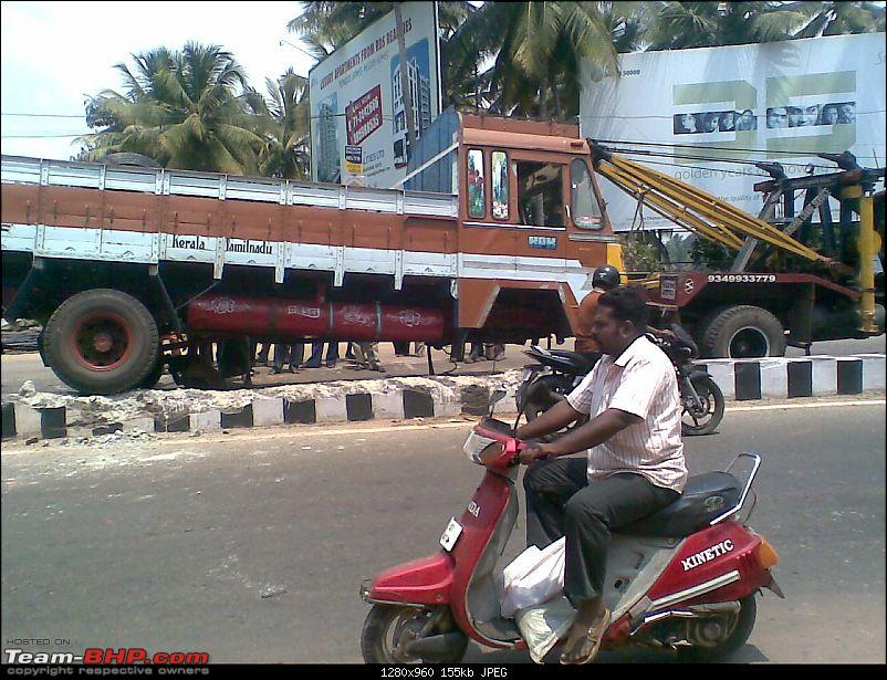 Pics: Accidents in India-lorry1.jpg