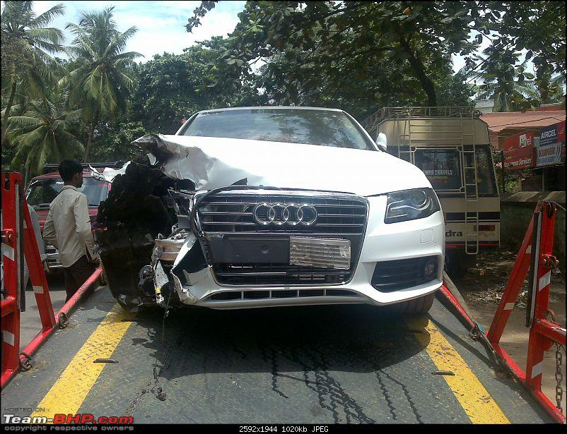 Pics: Accidents in India-03092010102.jpg