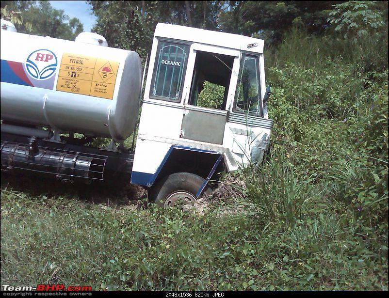 Pics: Accidents in India-lorry-4.jpg