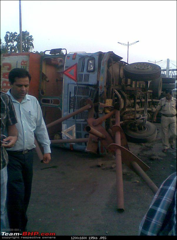Pics: Accidents in India-image049.jpg