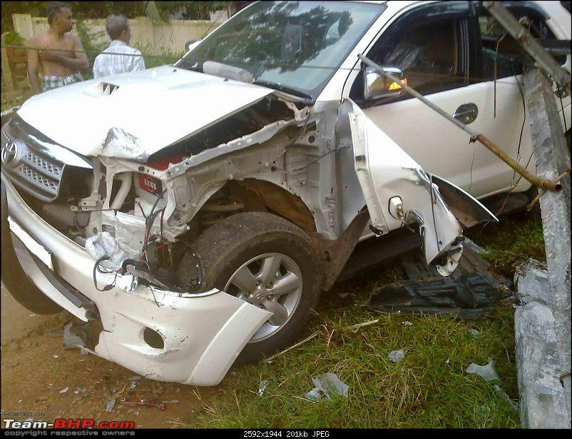 Pics: Accidents in India-21092010017.jpg