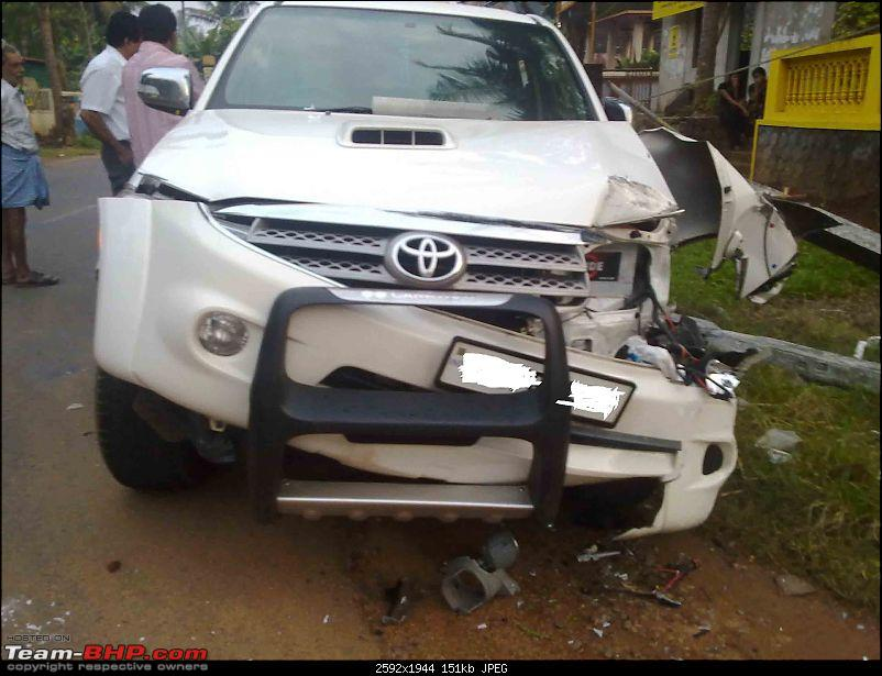 Pics: Accidents in India-21092010018.jpg