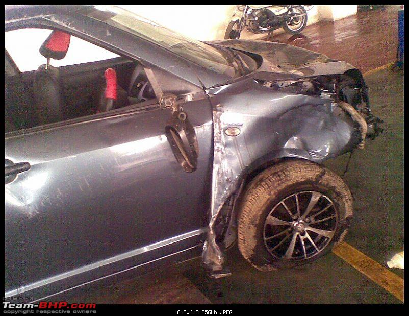 Pics: Accidents in India-24102010008.jpg