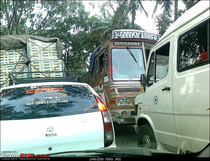 Use of turn indicators to change lanes in traffic and the highway. Does it matter?-photo0154.jpg