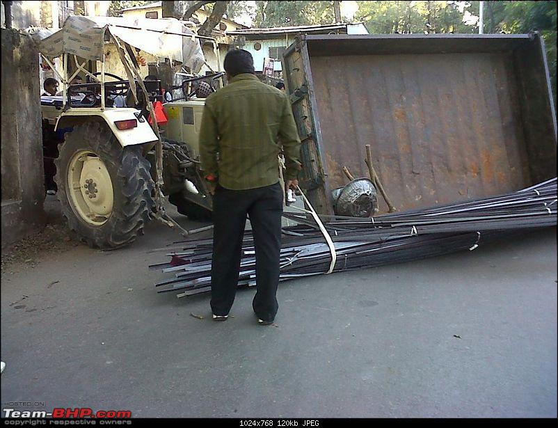 Pics: Accidents in India-img00039201101261640-large.jpg