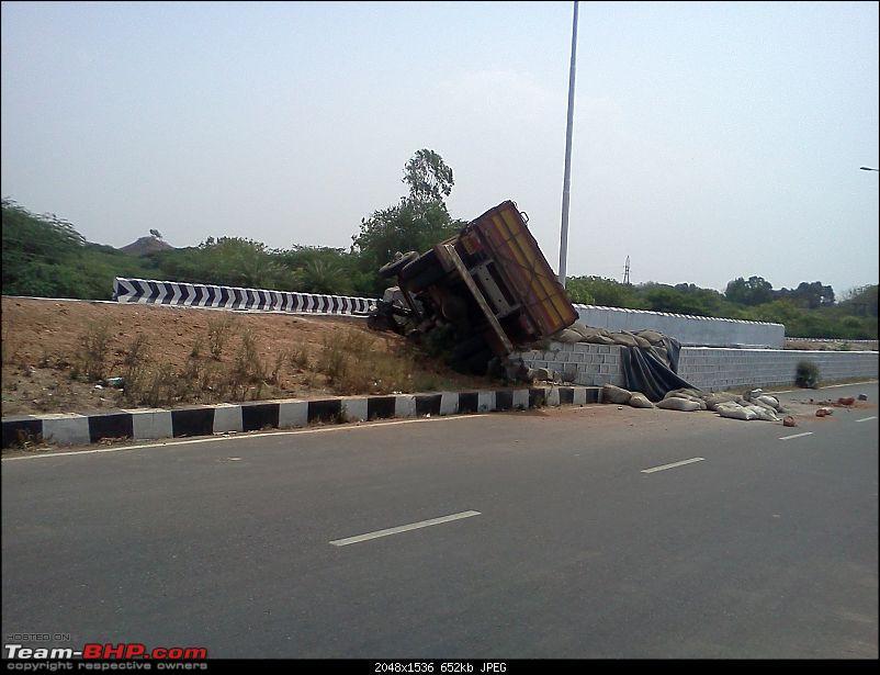 Pics: Accidents in India-accident-narsingi-2.jpg