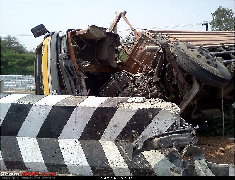 Pics: Accidents in India-accident-narsingi.jpg