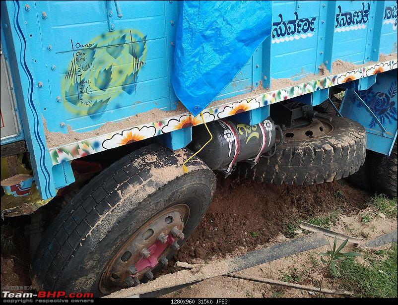 Pics: Accidents in India-20110703-10.17.49.jpg