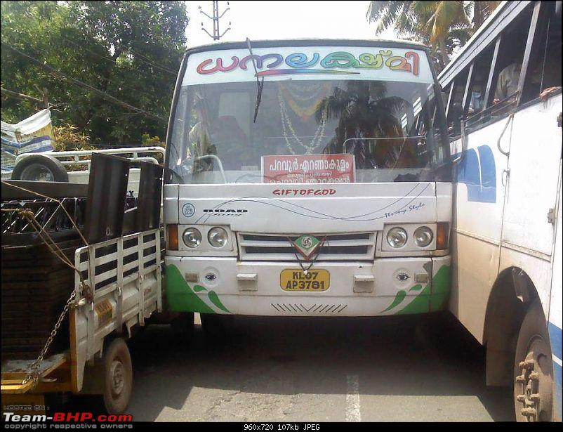 Pics: Accidents in India-bus.jpg
