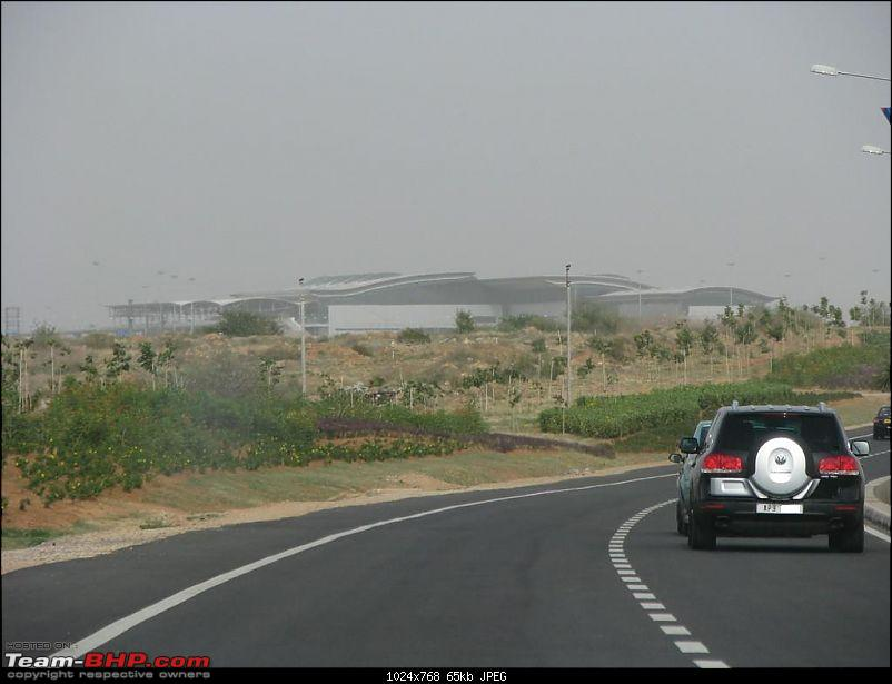 A Ride to Shamshabad Intl Airport, Hyderabad-toureg.jpg