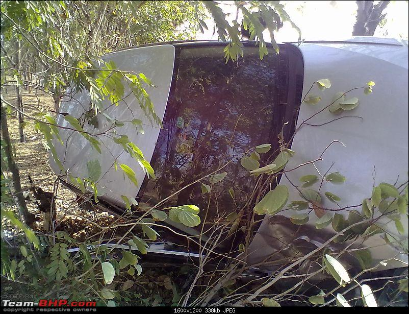 Pics: Accidents in India-21122011063.jpg