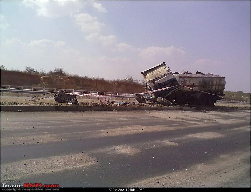 Pics: Accidents in India-14022012208.jpg
