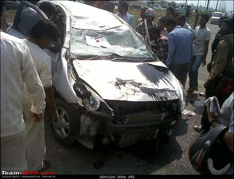 Pics: Accidents in India-img00334201203121314.jpg