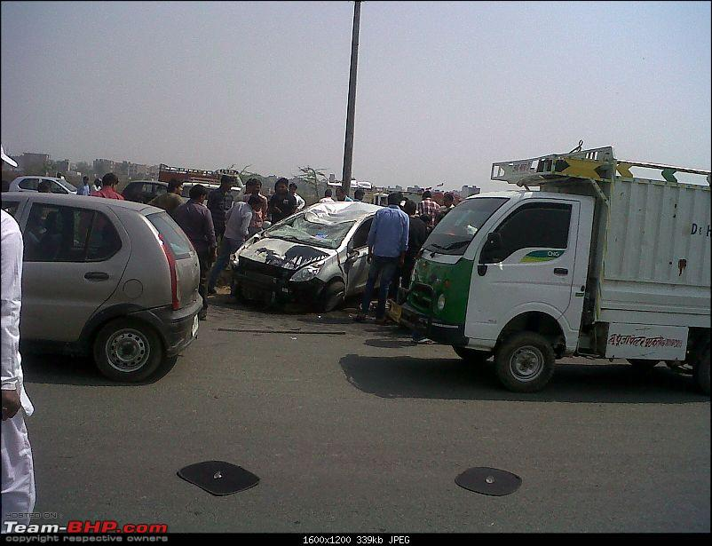 Pics: Accidents in India-img00337201203121318.jpg