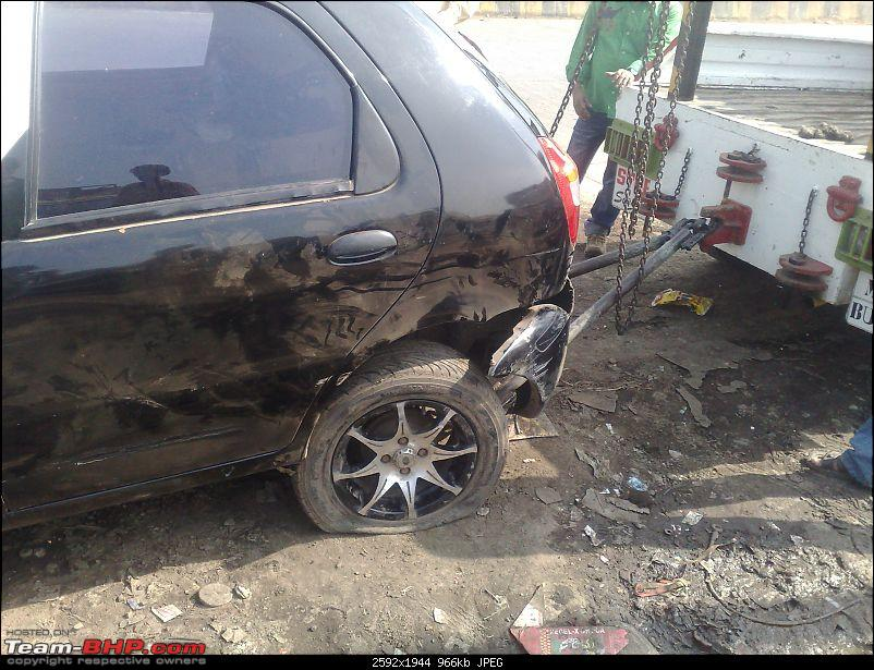 Small Accident due to suspected suspension rod-end failure-19012009751.jpg