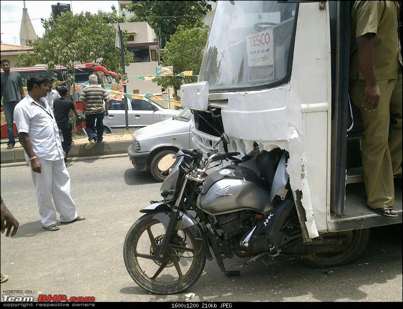 Pics: Accidents in India-07062012509.jpg