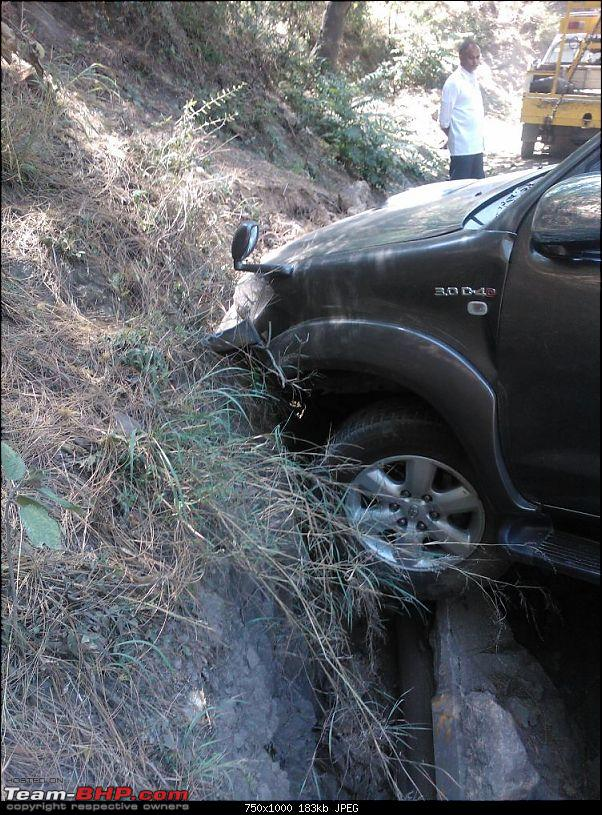 Toyota Fortuner crashes, Air bags did not deploy *EDIT* Another similar case Pg.7-img20120613wa0008.jpg