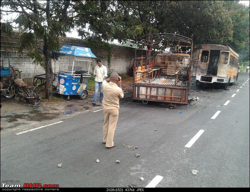 Hyderabad: Updates on traffic - diversions, road expansions, alternate routes, etc.-20121001-07.44.52.jpg