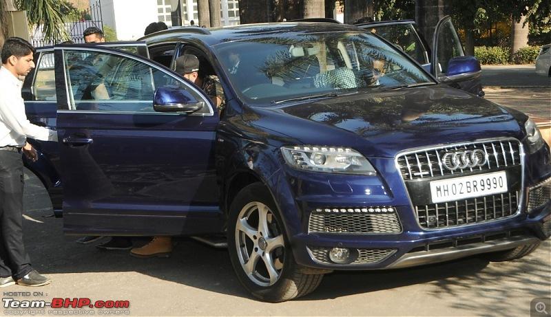 Bollywood Stars and their Cars-5bn3ekrcdi94l1jv.d.0.singeryoyohoneysinghcomingoutofhisnewaudiq7carinmumbai.jpg