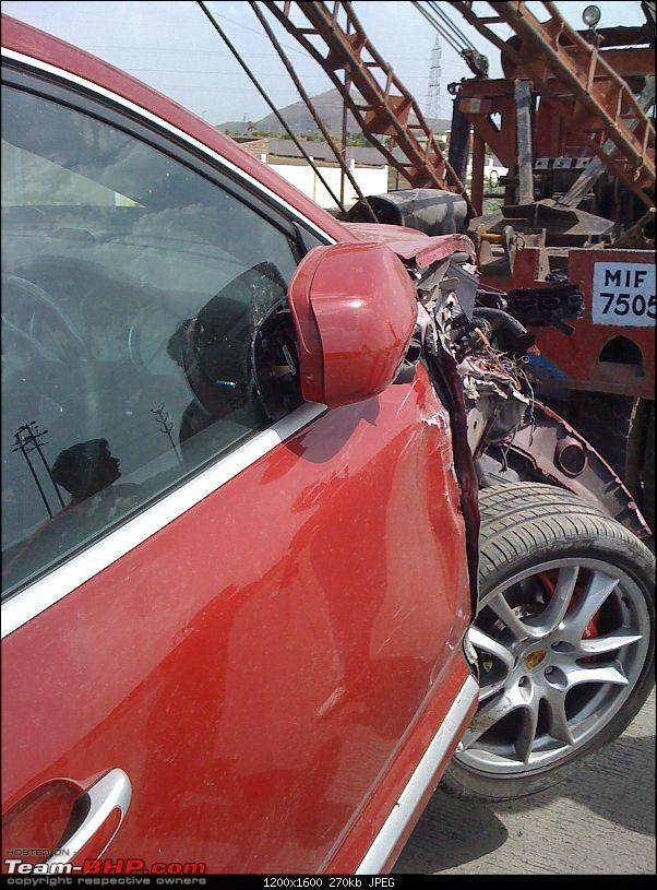 Supercar & Import Crashes in India-cayenne5.jpg