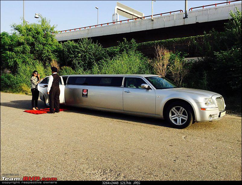 Chrysler 300C Limousine-limo-red-carpet.jpg