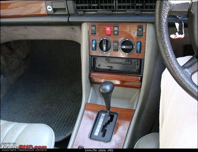 My first gift to myself for the new year's eve! A Mercedes W126..-ctrl-panel.jpg