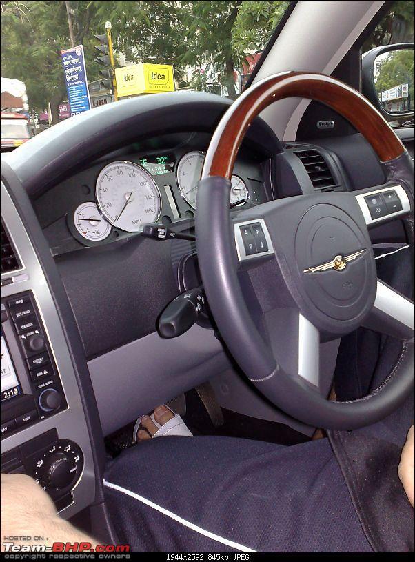 spotted Chrysler 300c in Pune-chrysler4.jpg