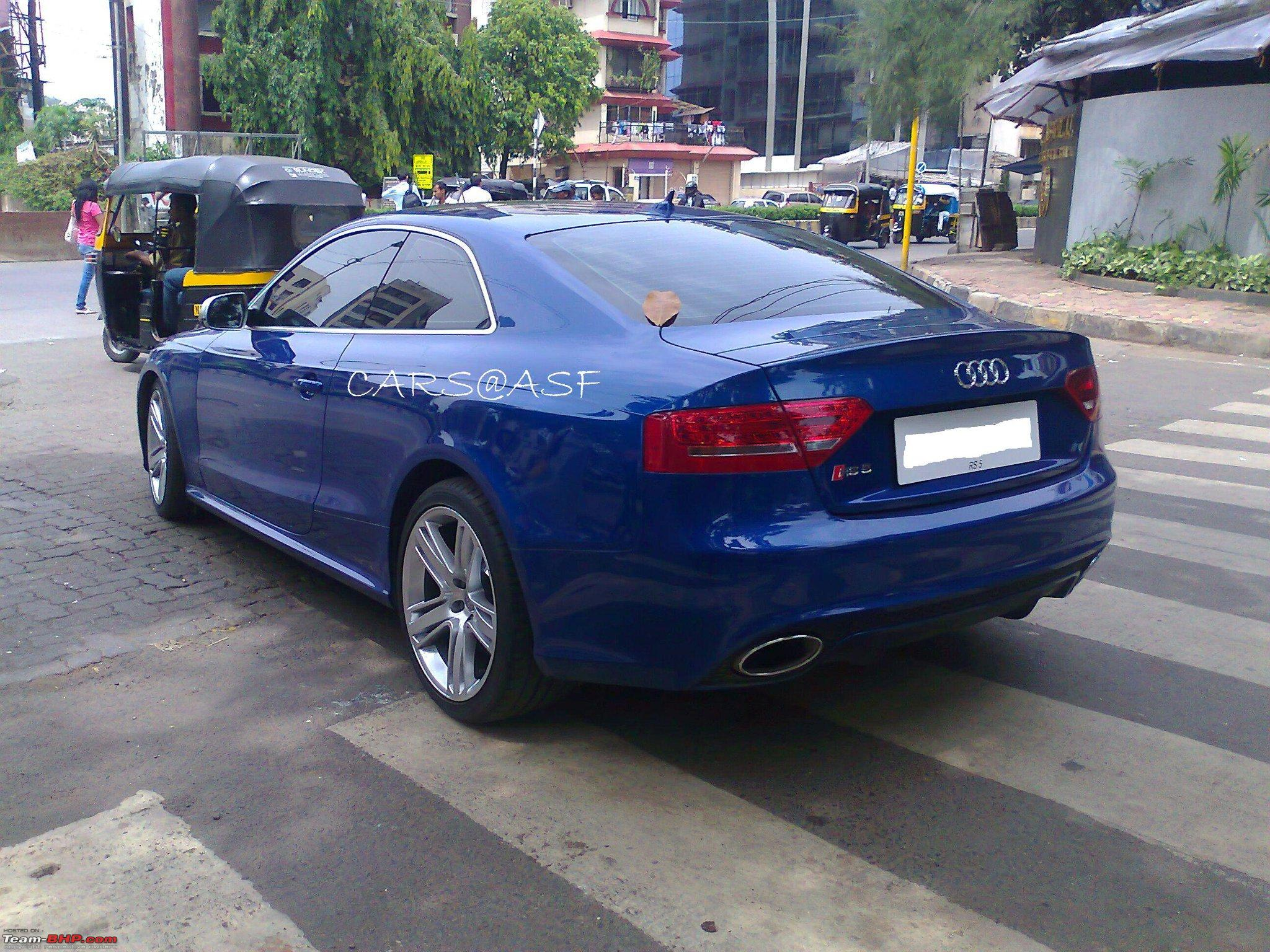 Blue RS5 in Andheri.