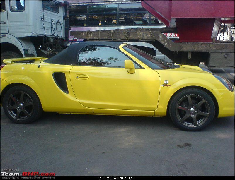 Red Porsche Carrera GT in Mumbai. EDIT: Silver one visiting as well...-dsc01095.jpg