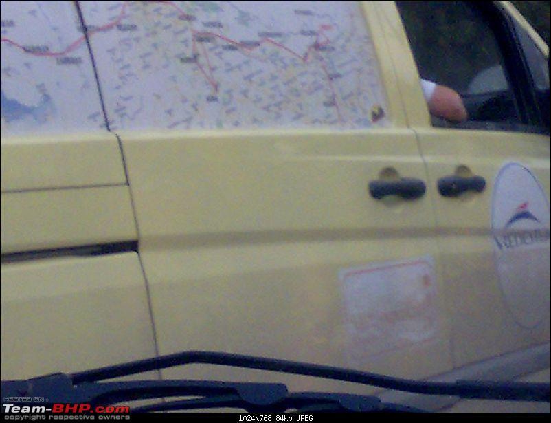 Mercedes Vito & Nissan Navara in Noida-10112008817.jpg