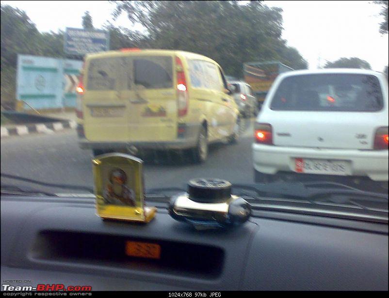 Mercedes Vito & Nissan Navara in Noida-10112008809.jpg