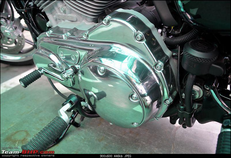 Harley Davidson Superlow XL883L - The Comprehensive Review-11_engine-clutch-cover.jpg