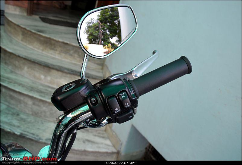 Harley Davidson Superlow XL883L - The Comprehensive Review-21_handlebar-controls-right.jpg