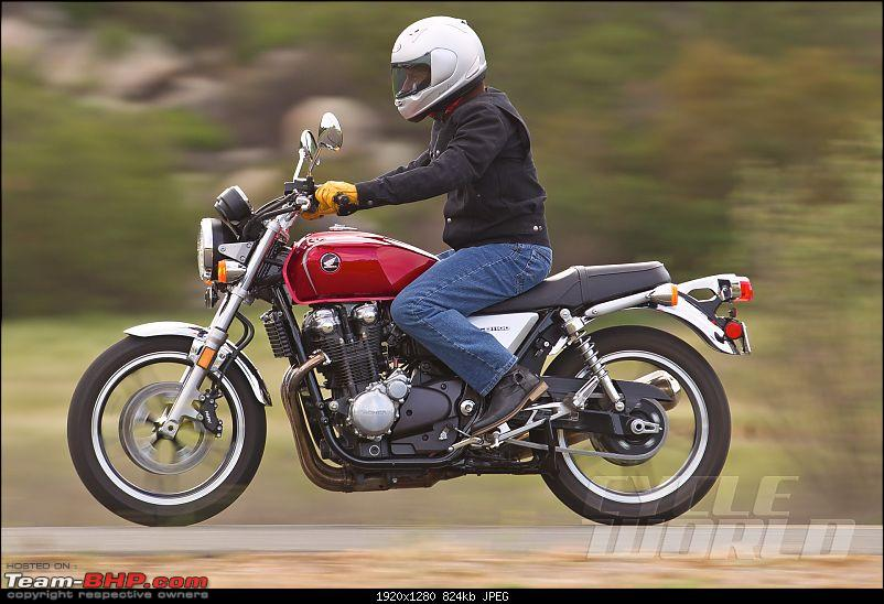 Big, retro naked / semi-faired bikes from Honda-2013hondacb1100action_001.jpg