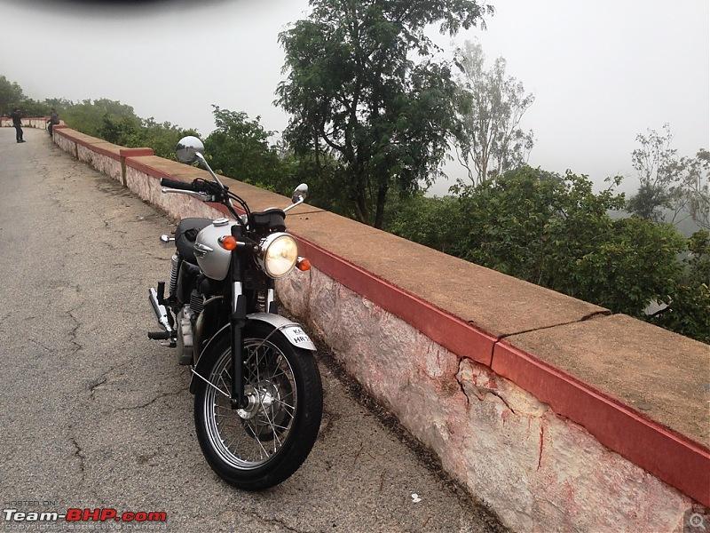 Triumph Bonneville - My New Ride in Dubai. EDIT - Now in Bangalore, India.-img_1367a.jpg